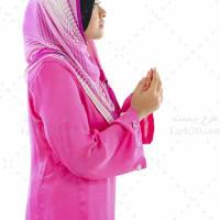 عکس با کیفیت و استوک دختر در حال دعا