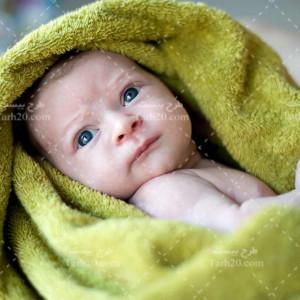 دانلود عکس استوک نوزاد در حوله