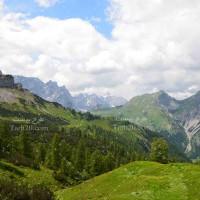 تصویر استوک و با کیفیت دشت و کوهستان