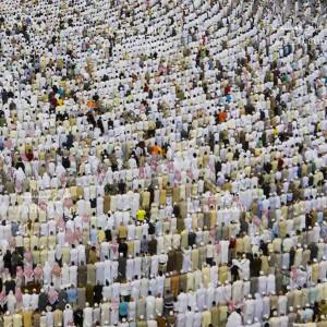 تصویر با کیفیت مسلمانان در حال طواف