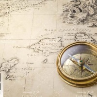 دانلود عکس استوک نقشه و قطب نما قدیمی