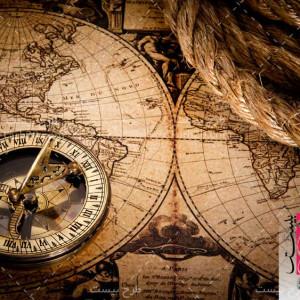 عکس با کیفیت نقشه قدیمی و قطب نما