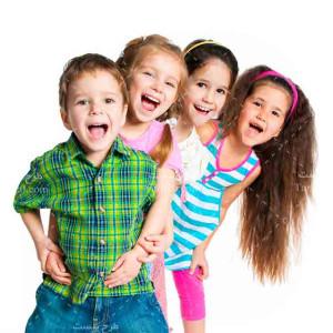 تصویر با کیفیت و استوک کودکان شادمان