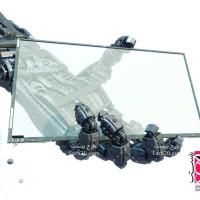 تصویر با کیفیت صفحه نمایش در دست ربات