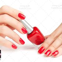 تصویر با کیفیت و استوک لاک ناخن قرمز رنگ