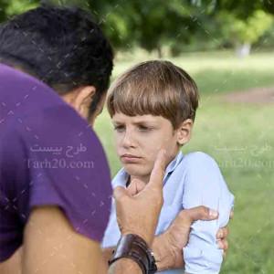 تصویر کیفیت بالا از دعوای کودک توسط والدین