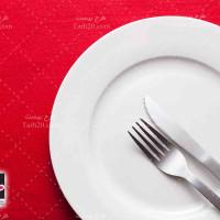 تصویر با کیفیت بشقاب و چنگال رستوران