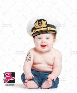 عکس کودک با کلاه پلیس